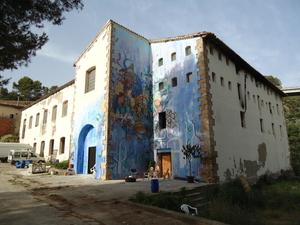 Small_calafou-fachada